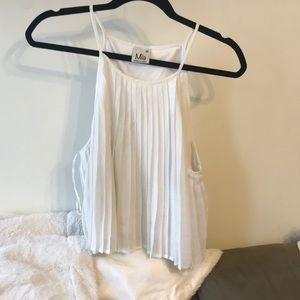 Tops - Cute white ribbed crop